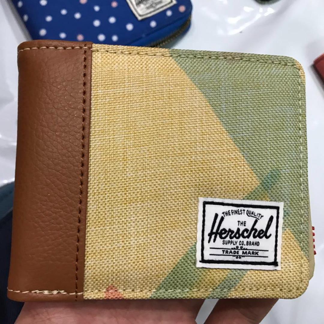 「瑕疵特賣」Herschel Edward Wallet 拼色 皮夾 短夾 內裏尼龍 粉色水墨