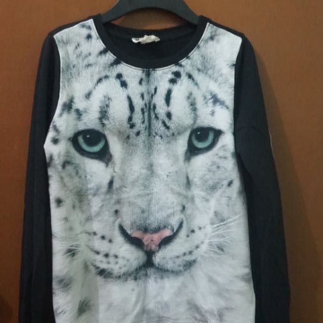 H&M Tiger-printed Sweater (2nd Hand)