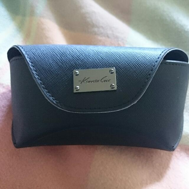 Kenneth Cole Large Snap Sunglass Case