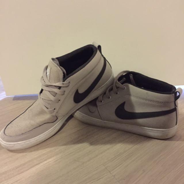Men's Nike High Top shoes