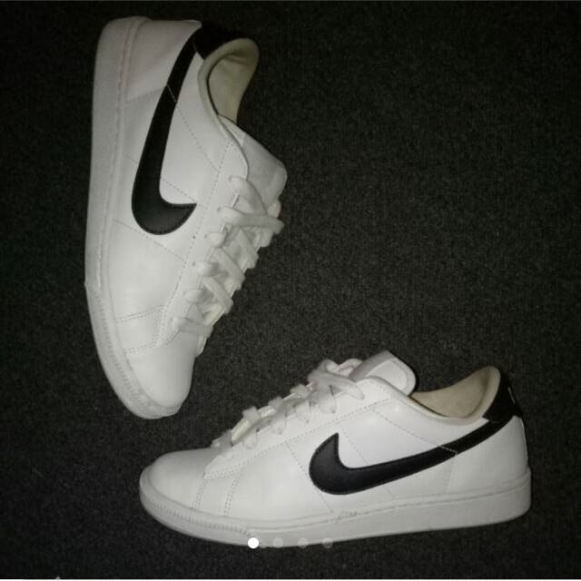 Nike Air Casual Walking Shoe