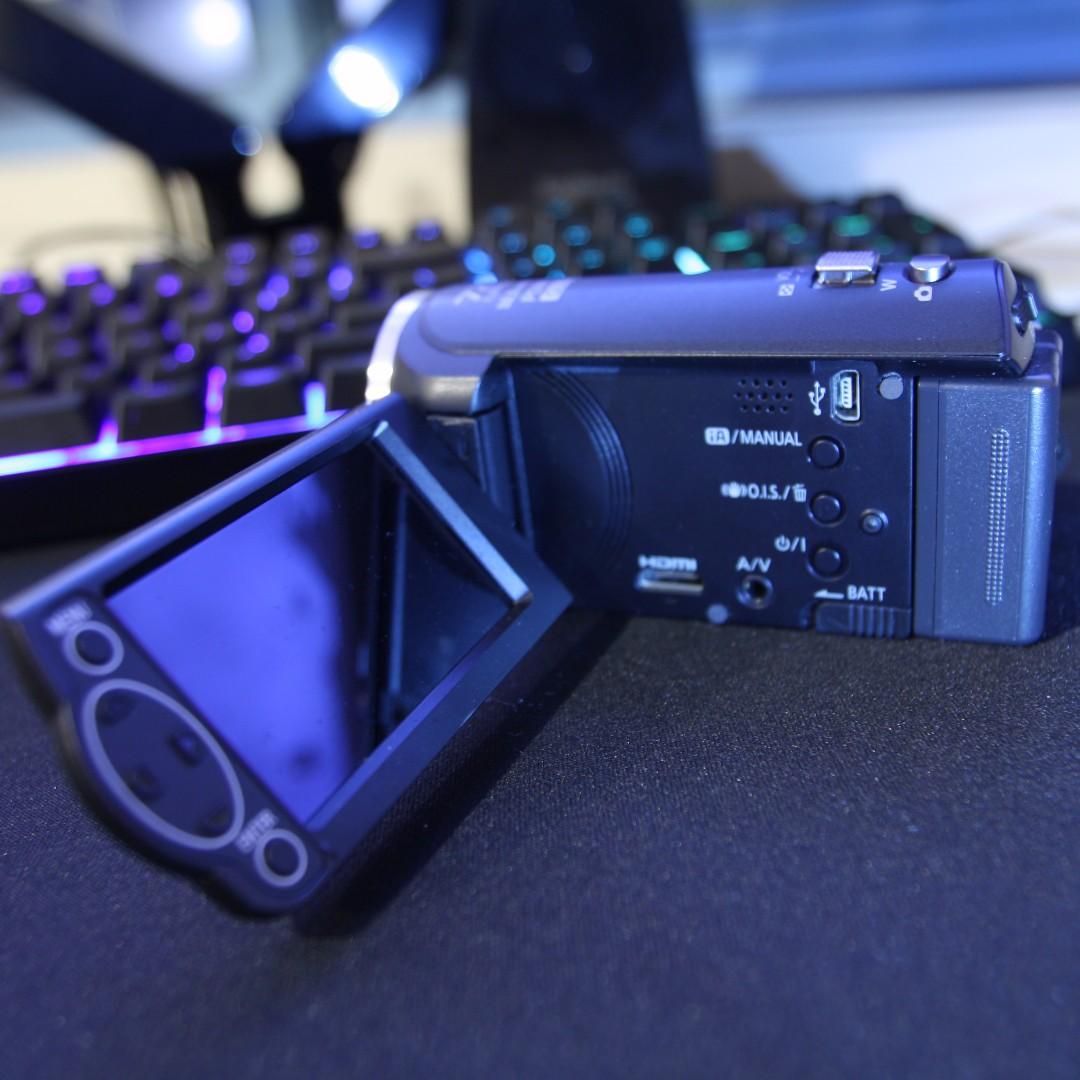 Panasonic HC-V210 camera