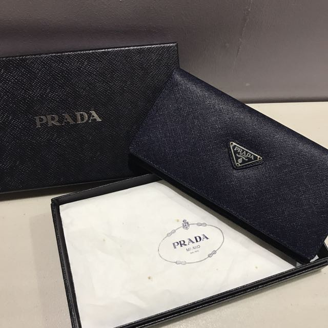 Prada two-fold Wallet Authentic