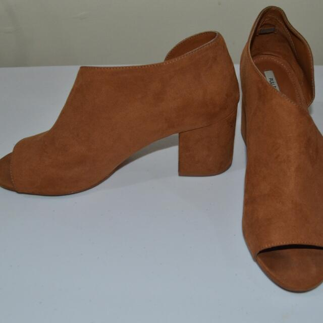 _on Hold_PULL & BEAR Side Cut Out Open Toe Block Heels Shoes  Size 39