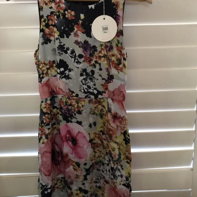 Quirky Circus By Minkpink Size 8, Floral Dress. Dress Size 8. Minkpink Dress