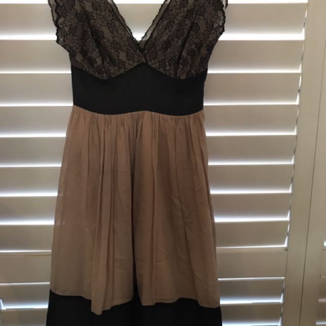 Review Size 8 Lacey Dress. Review Dress. Dress Size 8.
