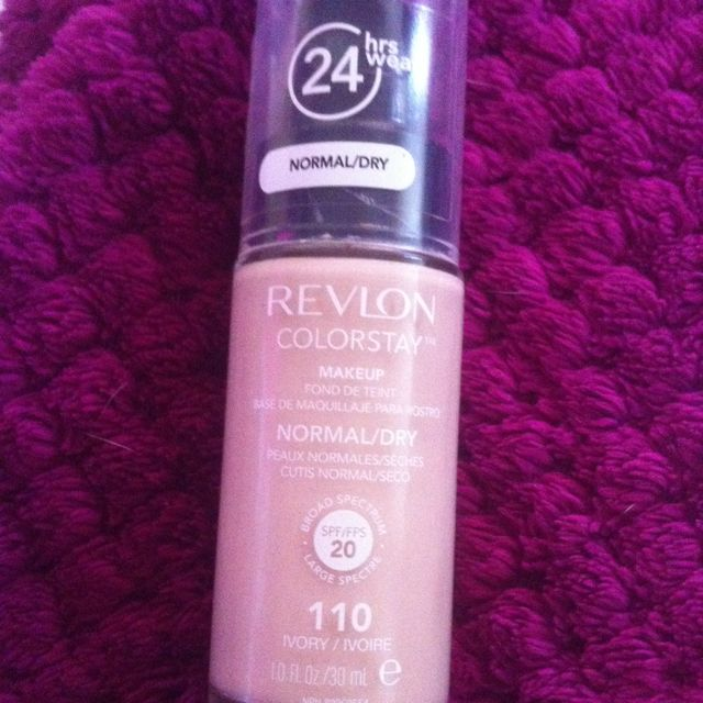 Revlon Colour Stay Ivory
