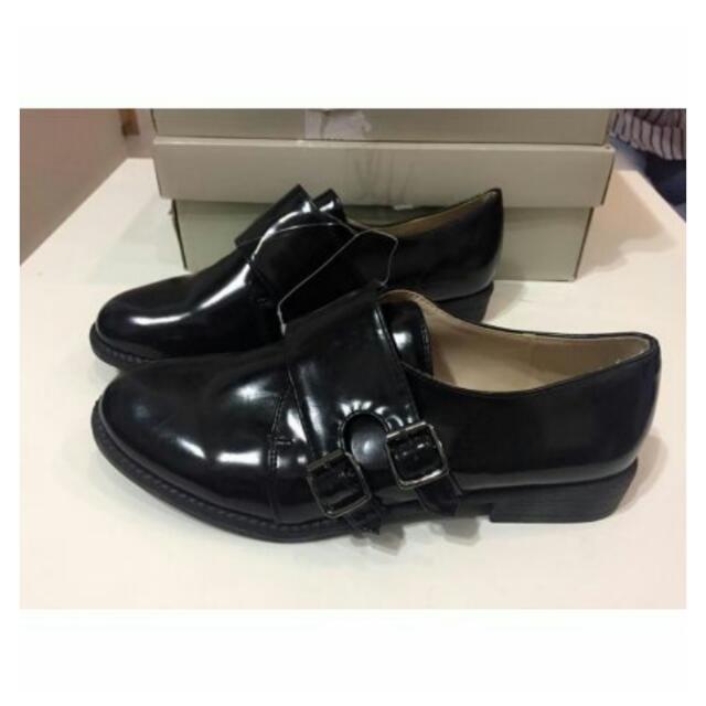 Sepatu Casual By Vincci