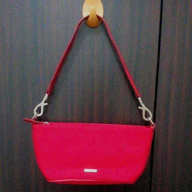 Xoxo New York Red Sling Bag