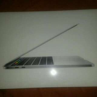Brand New Sealed 13 Inch Silver Mac Book Pro 2017 !