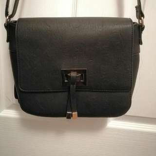 Laura Jones Shoulder Bag