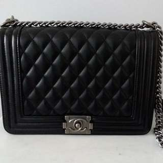 Chanel Boy Medium Size