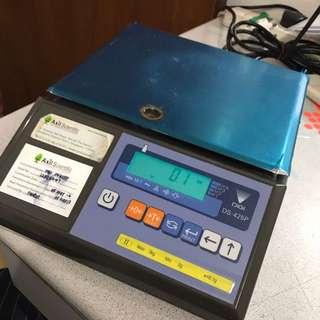 Bench Scale DIGI DS-425P @ $120 (max 3kg)