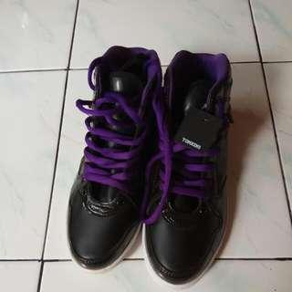 Sepatu Tomkins uk. 37 NEW!!
