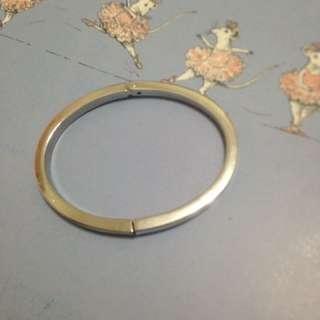 Trifari金屬手環