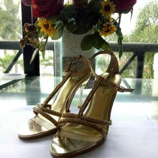 Christ line Golden Heels