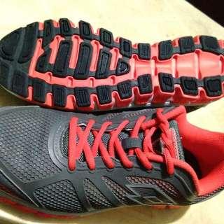 Cross Training Shoes Not Nike/Adidas/New Balance/Crocs....Lotto...