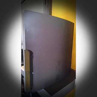 PS3 SLIM 320GB (CECH-3006B) *Comes with 8 Games and 2 Dualshock Controllers.