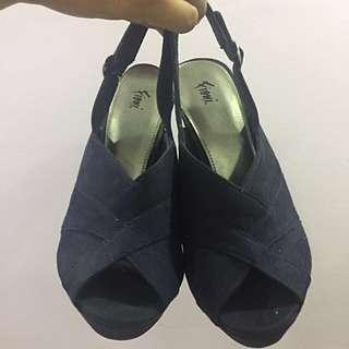 Dark Blue Heels Size 7