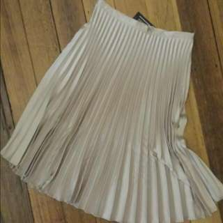 'Everybody Talks' Champagne Gold Pleated Skirt - Size M