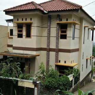Rumah bertingkat siap huni di Cijambe