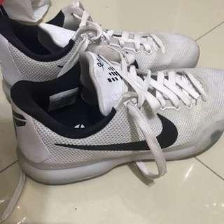 Nike Kobe 11代 白色 Us10
