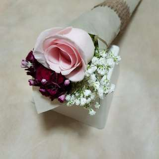 One Stalk Rose With Side Flowers Bouquet