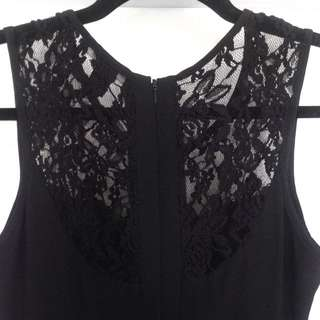 Side Cut-out Lace Detail Dress