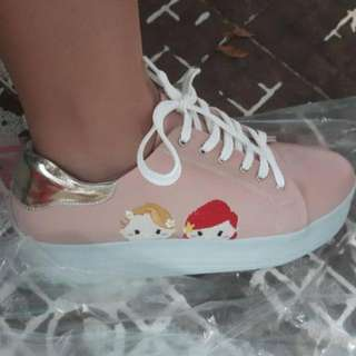 Pink Tsum Tsum Princess shoes  sz 38
