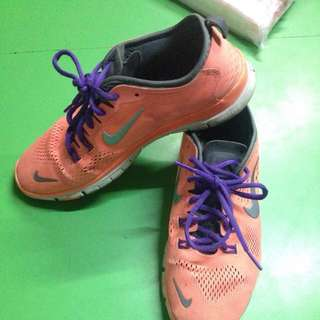 Auth. Nike Shoes Size9