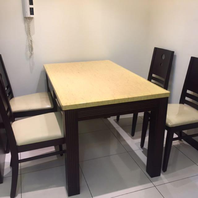 大理石餐桌餐椅