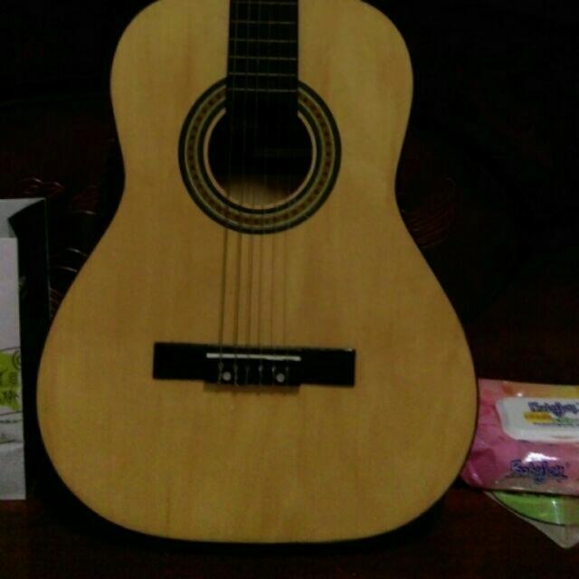 吉他(需自取)