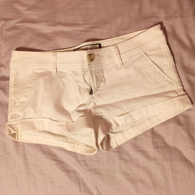 A&F 白色短褲