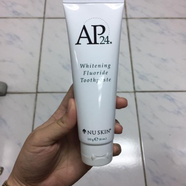 AP24 Whitening Flouride Toothpaste