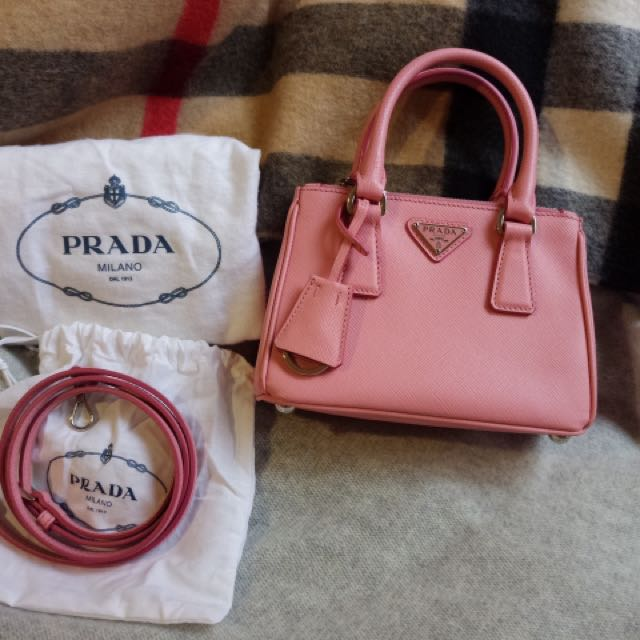 Almost New Authentic Prada mini galleria saffiano leather bag