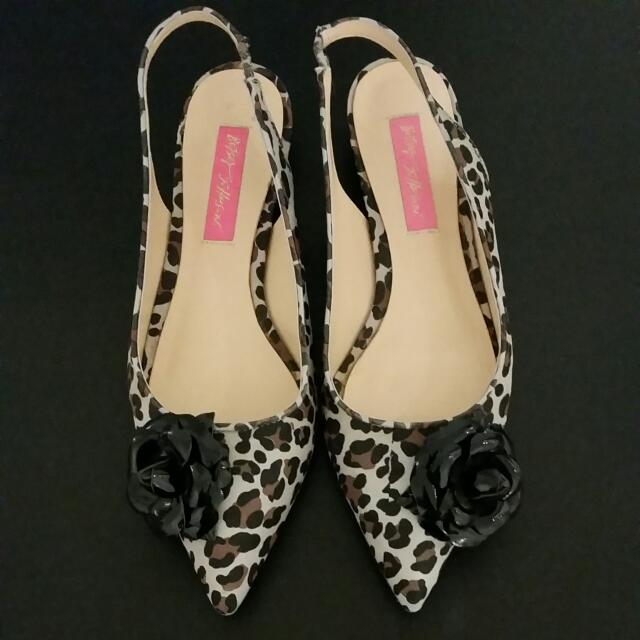 Betsy Johnson Leopard Shoes Size 7