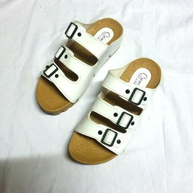 Camino 3 Straps Sandals
