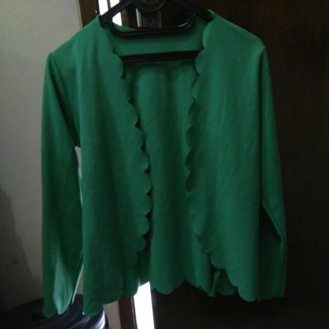 cardigan hijau muda
