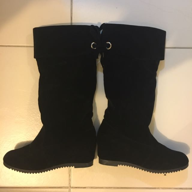 Cowgirl Suede Boots