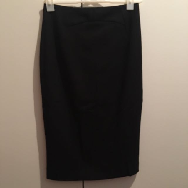 CUE - Workwear - Black Pencil Skirt Size 8