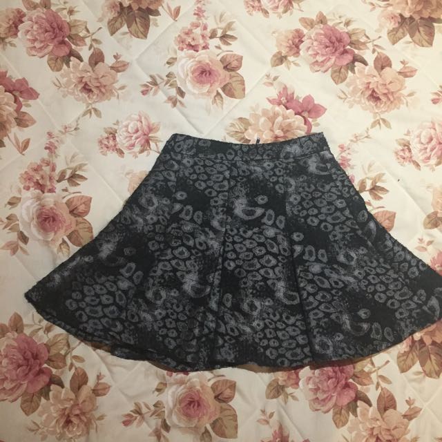 Cue Skirt Small (marked 10, Would Suit 8-10)