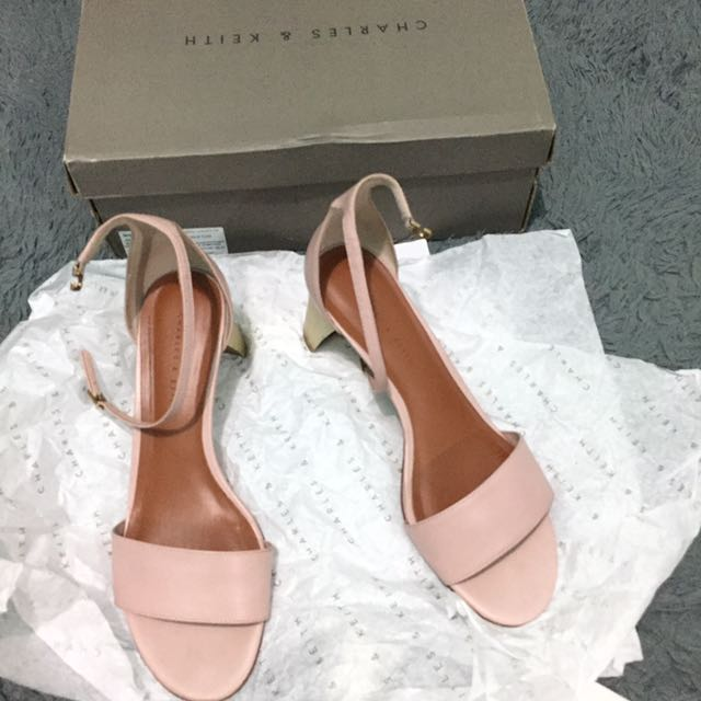 Heels Charles&Keith Size 38