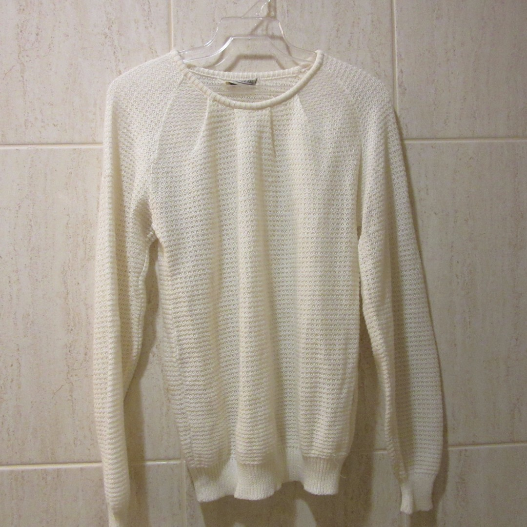 Light White Knit Wear