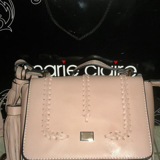 MARIE CLAIRE'S SLINGBAG