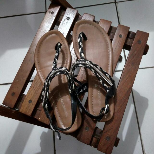 Sandal Pantai - Montego Bay Club