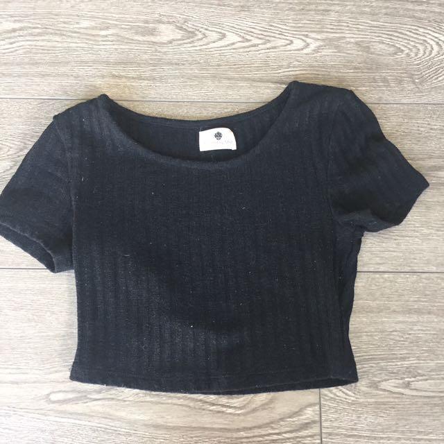 Morning Mist Black T-shirt Crop