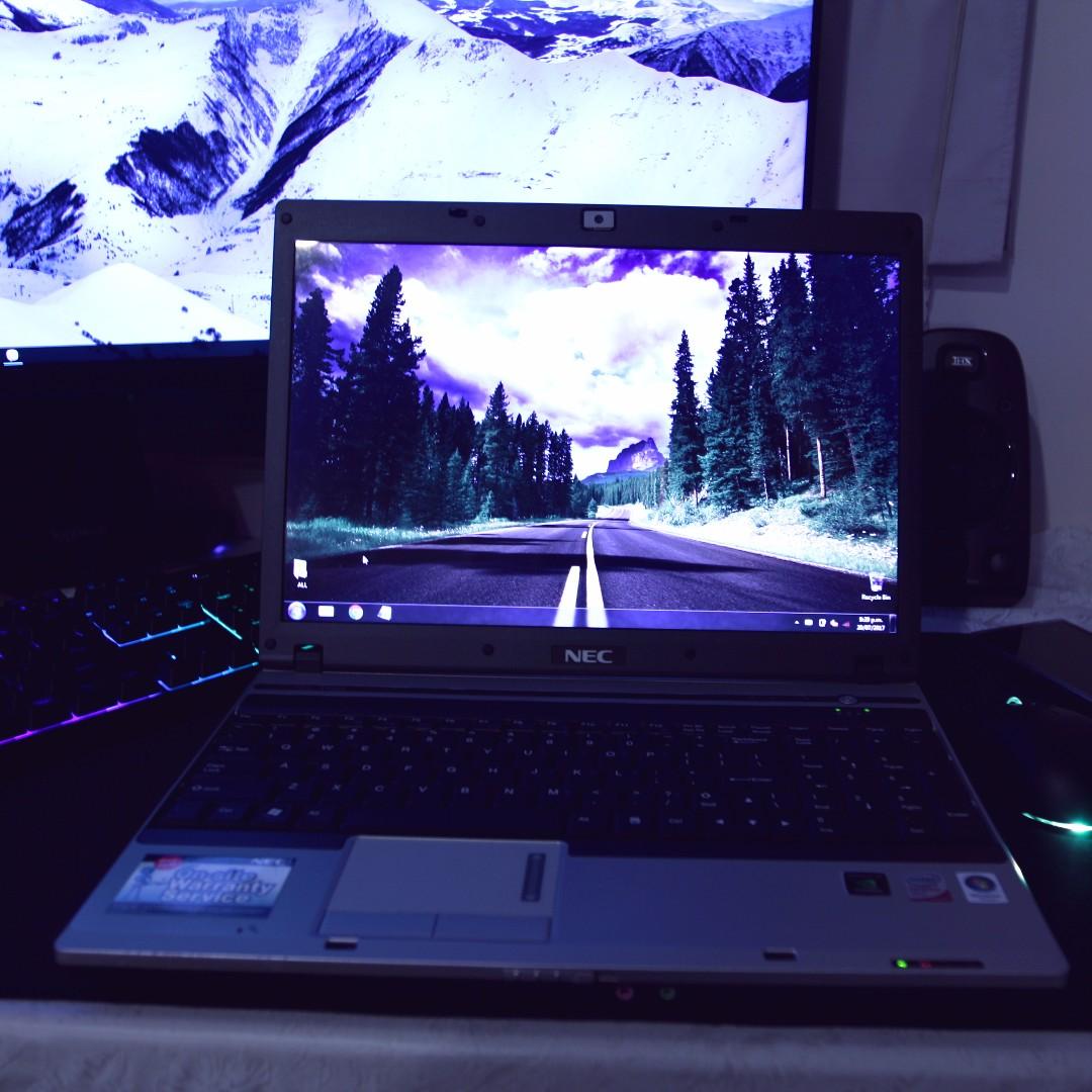 NEC Versa P570 laptop