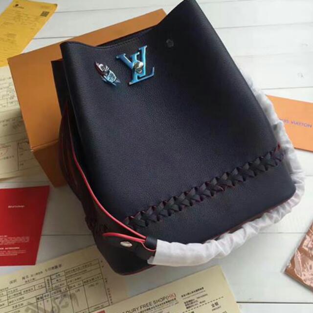 9b50491d9f OFFER PRICE💝 LOUIS VUITTON LOCKME BUCKET (PREMIUM GRADE), Women's Fashion,  Bags & Wallets on Carousell