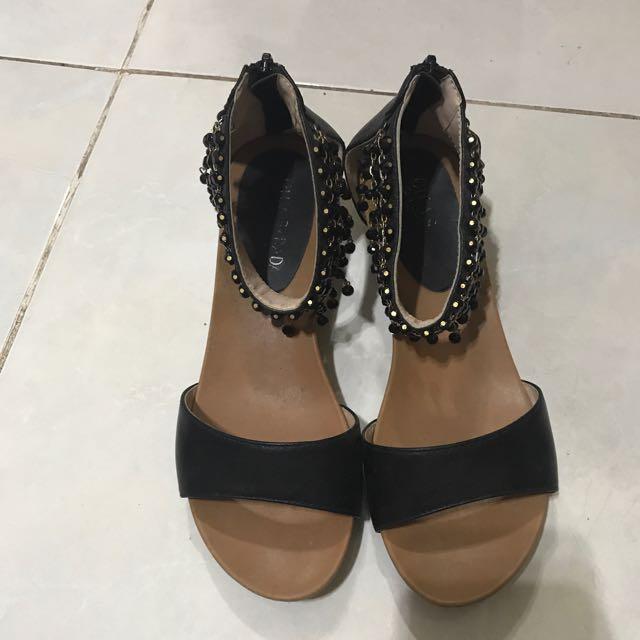 Sepatu Sendal Olga
