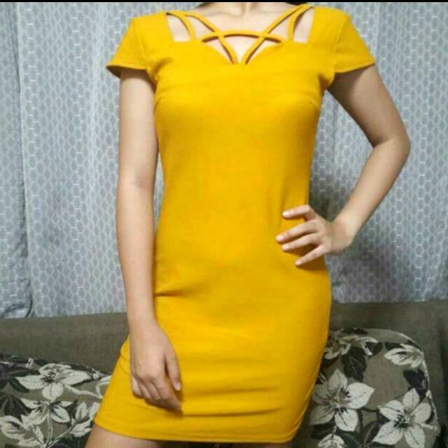 Sexy Yellow Dress 💛